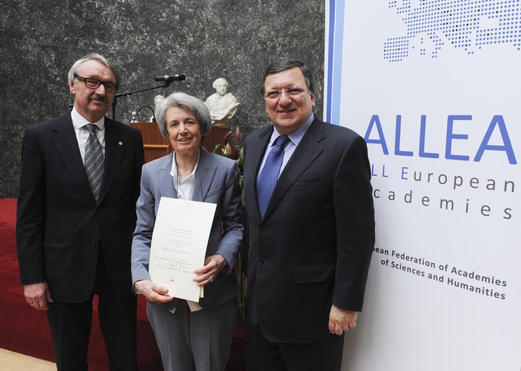 At the ALLEA PRize inaugural ceremony, from left: Professor Günter Stock, ALLEA President, Laureate Professor Luisa Passerini, José Manuel Barroso, President of the European Commission