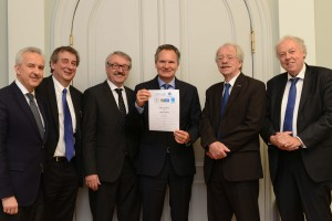 From left to right: Reinhard Hüttl, President of Euro-CASE; Dermot Kelleher, President of FEAM;  Günter Stock, President of ALLEA; Robert-Jan Smits, Director-General DG Research and Innovation; Jos van der Meer, President of EASAC; Sierd Cloetingh, President of Academia Europaea; Photo by Janina Amendt